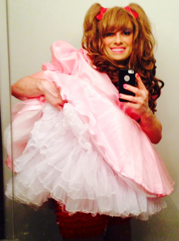 Frilly Sissy, Frilly,Sissy,Kisses,Cute,Pink,Prissy