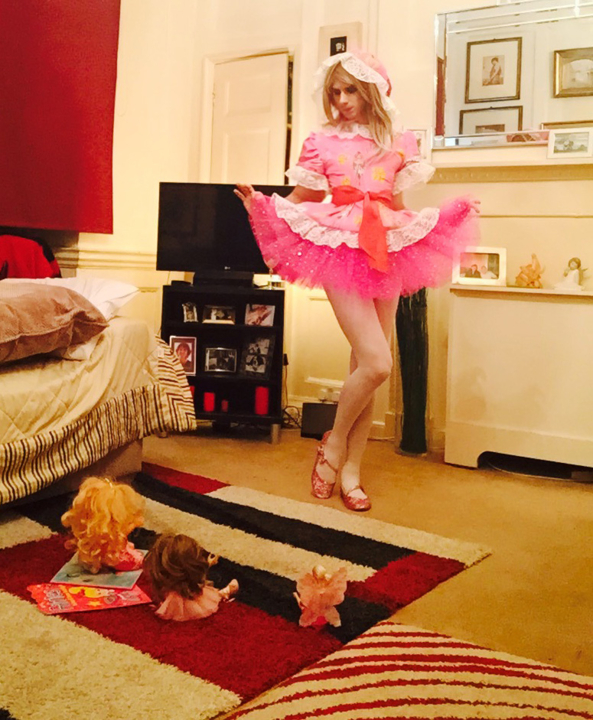Mincing for dollies - i love to prance for my dollies :), sissy,dolly,littlegirl,lg,prissy,girly, Adult Babies,Dolled Up