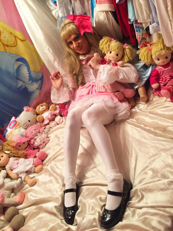 Sissy LG Ashley  - Ashley having fun in her princess room with her dollies ^_^, sissy,littlegirl,little,lg,pansy,frilly, Fairytale