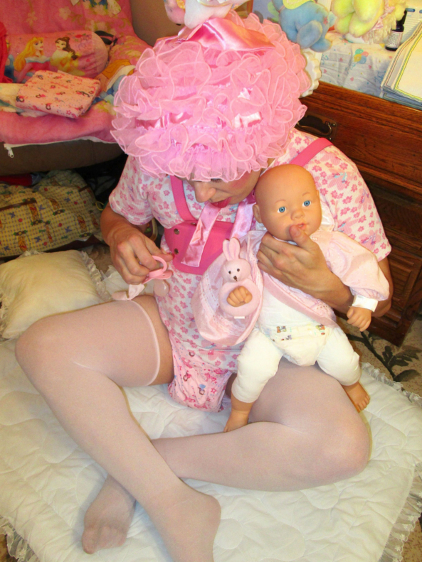 Making Wettums in My Princess Pampies, fmatty,fanny matty,fanny mattie,sissybaby,sissy boy,wettums,nursery discipline,petticoat punishment,diaper discipline, Adult Babies,Thumb Sucking,Feminization,Sissy Fashion,Spankings,Dominating Mistress Or Master,Wetting The Bed,Dolled Up