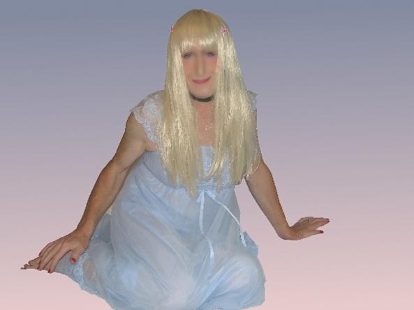 Newbie Elaine looking for pen pals, sissy,nighties,babydoll,maid,pen pal