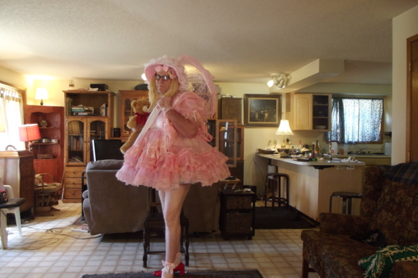 Ptomenade - sissy or not to sissy, sissy,pink,crossdress,, Adult Babies,Feminization,Dolled Up,Sissy Fashion