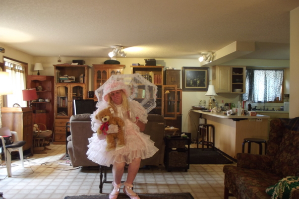 in Fussy Frills - Teddy doesn't mind, aiaay,frilly,crossdress, Feminization,Dolled Up,Sissy Fashion