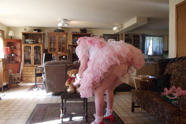 Teddy fell down! - just me being helpful, sissy,pink,crossdress,, Feminization,Dolled Up,Fairytale,Sissy Fashion