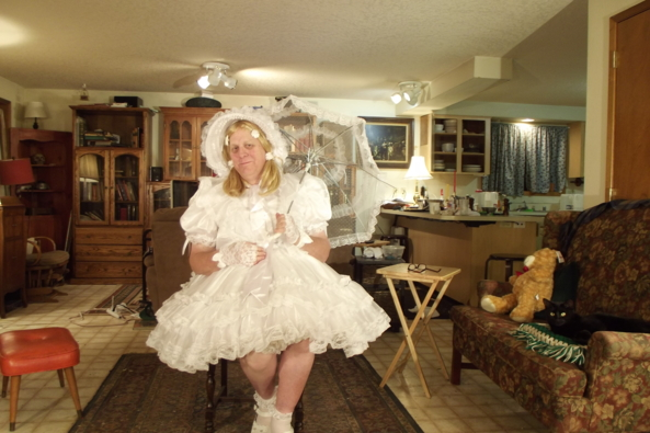 Snow Princess - I feel ever so virginal, sissy,crossdress, white, , Magical Change,Holiday,Dolled Up,Sissy Fashion