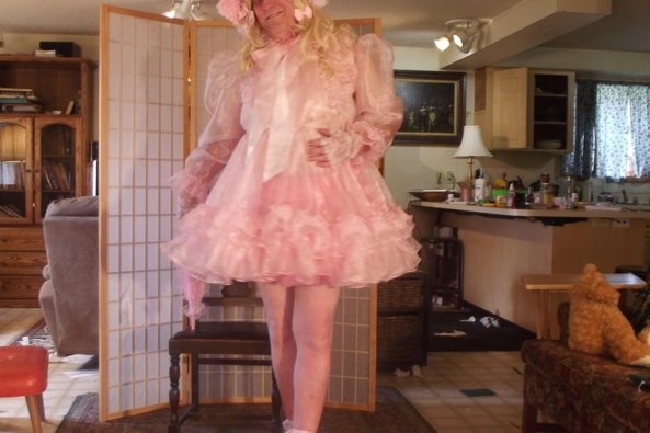 these pics are fresh off the SD.  not well selected. - just me nattering.  please forgive. but, I DID get a NEW DRESS today!  , sissy,crossdress,, Feminization,Dolled Up,Sissy Fashion