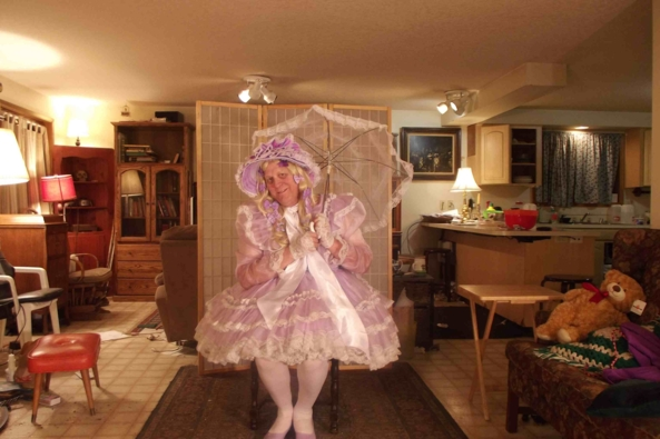 My New Lavender Bonnet!  - I think it matches my dress.  Does it?, sissy,crossdress,, Feminization,Sissy Fashion,Dolled Up