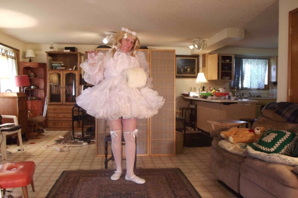 I'm so Prissy! - Oh so prissy!, sissy,prissy,crossdress, Feminization,Dolled Up,Sissy Fashion