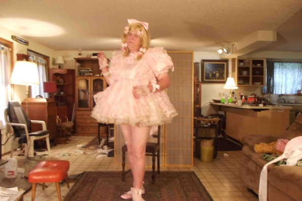 Prissy, oh so prissy.. - a bit older...  but JUST as prissy., sissy,crossdress,, Feminization,Dolled Up,Sissy Fashion