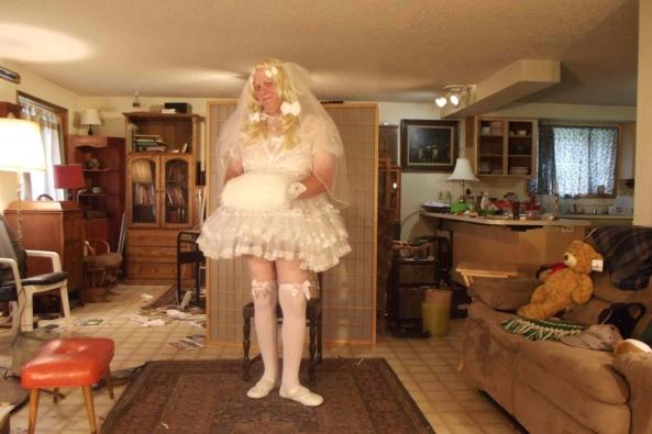 Li'le Bride - oh this feels so pretty!, sissy bride,cross dress,, Feminization,Dolled Up,Holiday,Wedding,Sissy Fashion