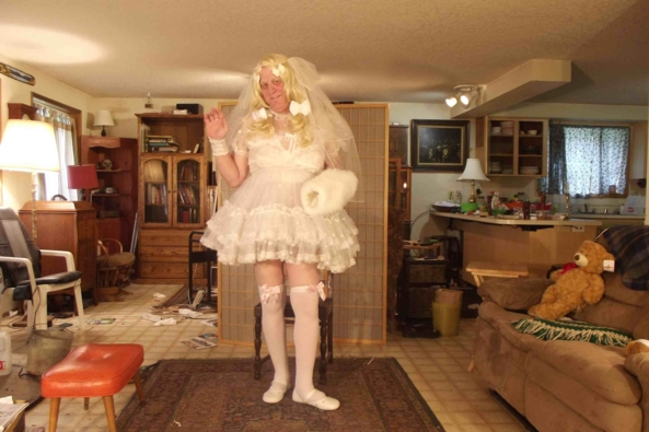 Li'le Bride - oh this feels so pretty!, sissy bride,cross dress,, Feminization,Dolled Up,Holiday,Wedding,Sissy Fashion