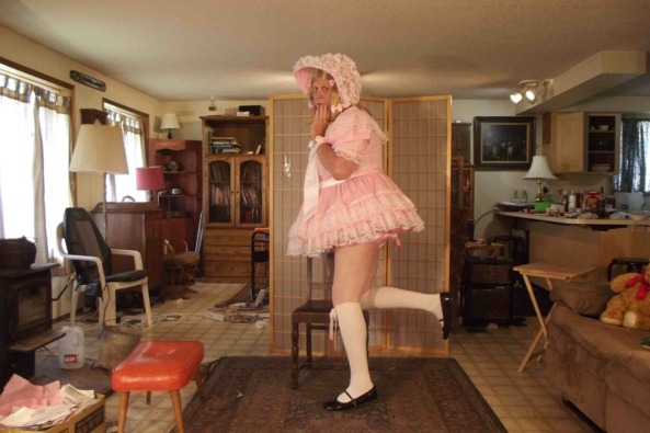 my Leanne Dress with Barbara Tam Bonnet - Mix and Matching in the morning, sissy,crossdress,prissy,, Feminization,Dolled Up,Sissy Fashion