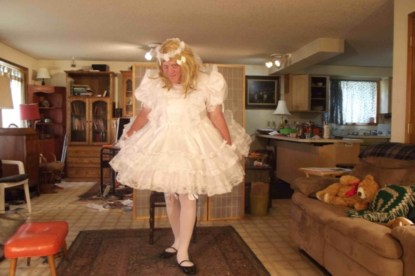 Playing..with pettis... - this is a white little girl part dress with about 900 yards of Petticoats, sissy,crossdress,, Feminization,Dolled Up,Sissy Fashion
