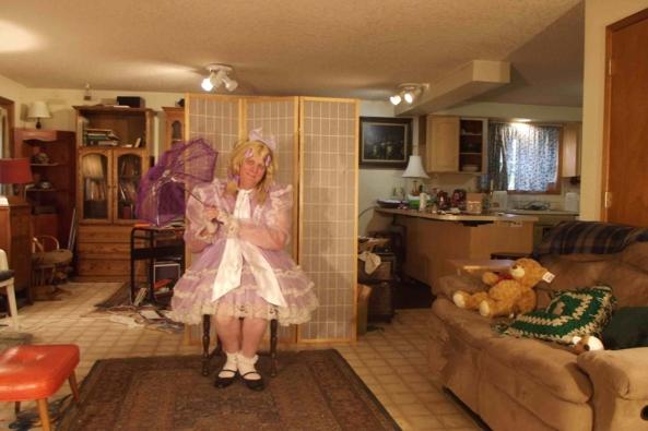 Prissy in Lavender - my favorite lavender dress., sissy,crossdress,, Feminization,Sissy Fashion,Dolled Up