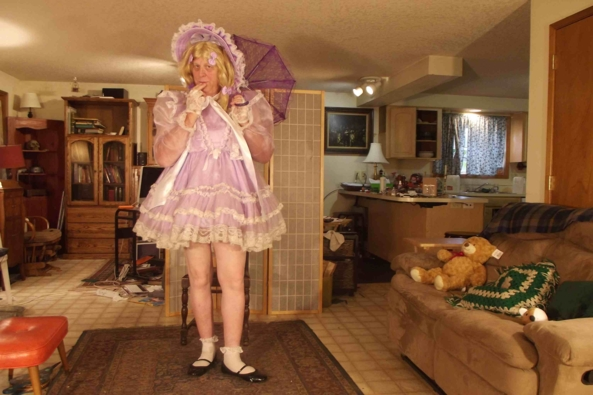 Prissy in Lavender - my favorite lavender dress., sissy,crossdress,, Feminization,Sissy Fashion,Dolled Up