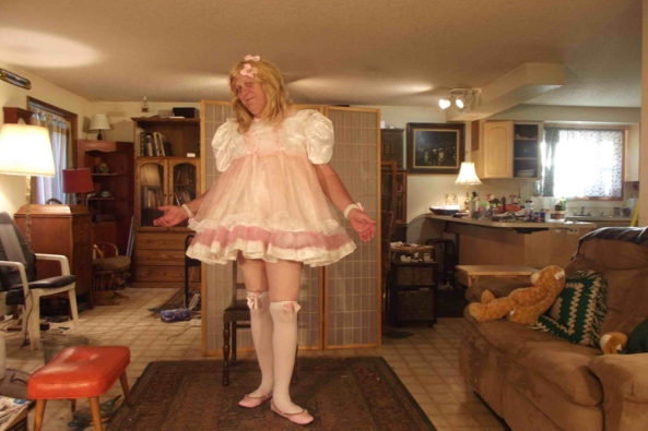 a Pinafore in Spring - I adore pink.  Don't you?, sissy,crossdress,, Feminization,Dolled Up,Sissy Fashion