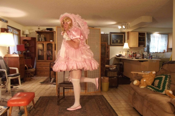 this makes me feel oh so prissy - a pink princess dress, sissy,crossdress,, Feminization,Dolled Up,Sissy Fashion