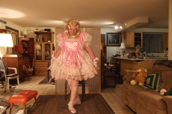 an evening in polkadots - tired  but at least dressed right, sissy,crossdress,, Feminization,Dolled Up,Sissy Fashion
