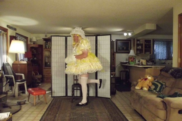 A touch of spring in late autumn  - my lovely yellow dress, sissy,crossdress,, Feminization,Dolled Up,Sissy Fashion