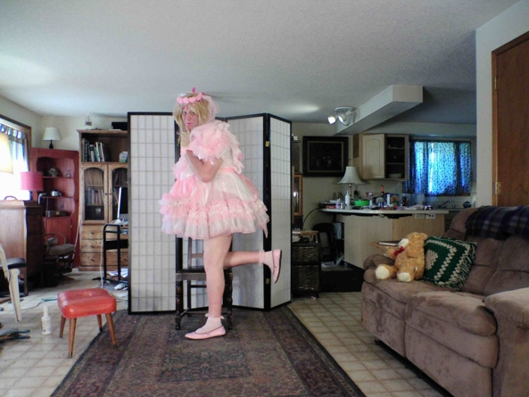even more prissy in pink - my most prissy Little Gril girly dress, sissy,crossdress,, Feminization,Holiday,Dolled Up,Sissy Fashion