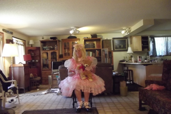 Teddy and a gurl in polka dots - fussy frills for the day, sissy,crossdress,frilly,pink,, Feminization,Fairytale,Dolled Up,Sissy Fashion