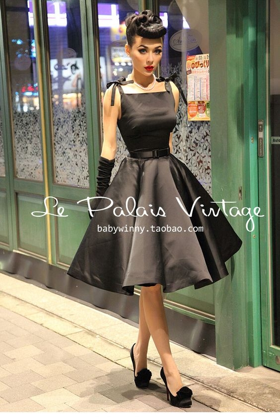 Have You Picked Out What To Wear - Thanksgiving Dinner Wear, Crossdresser Sissyy, Feminization,Sissy Fashion,Fairytale,Holiday