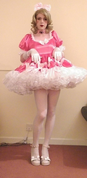 Starting The New Year Off Right - A Soggy Wet Diaper, Women & Sissy Clothes!, AB/DL Sissy Crossdresser, Adult Babies,Feminization,Sissy Fashion,Diaper Lovers,Dolled Up