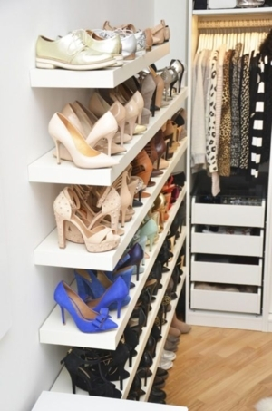 How Many Pairs Are Enough? - Sissies LOVE Women's Shoes!, Sissy Crossdresser, Feminization,Sissy Fashion,Dolled Up