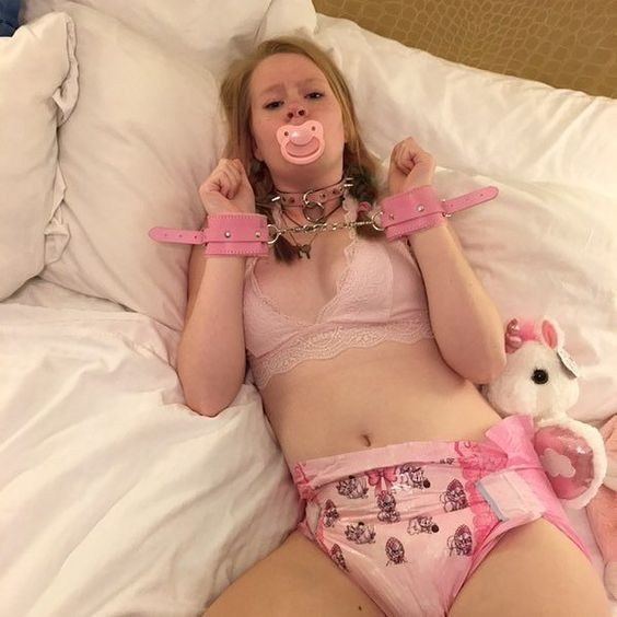 All things Feminine & Girly - A Thick Diaper & Plastic Panties Too!, AB/DL Crossdresser Sissy, Adult Babies,Feminization,Sissy Fashion,Increased Sexuality,Diaper Lovers,Dolled Up