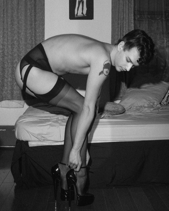I Remember Slipping into My First High Heels - Don't Stop There! You Need a Bra, Dress & Make-up!, Crossdresser Sissy Lingerie, Feminization,Sissy Fashion,Increased Sexuality,Fairytale,Dolled Up