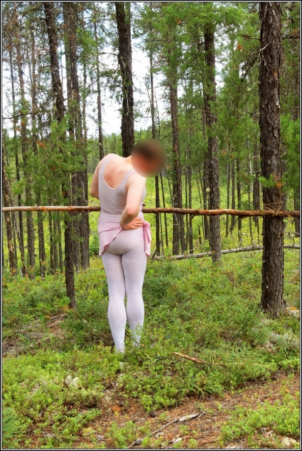 The ballet lesson - Part 2 - Ballet lesson in the wood, skirted,leotard,pink,ballet,outdoor,crossdresser,forest, Sissy Fashion,Body Suits,Fairytale