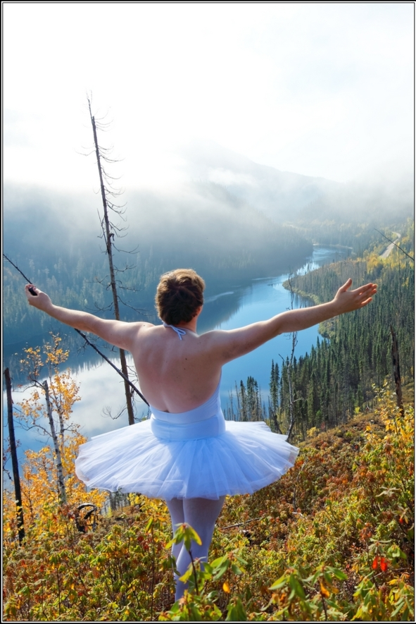 Sissy ballerina 4 - The river - Sissy ballerina looking to cross a river, forest,crossdresser,outdoor,ballet,platter,tutu,ballerina, Fairytale,Sissy Fashion,Body Suits,Feminization