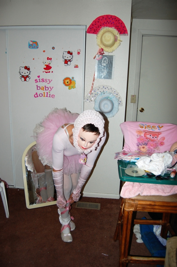 Baby Dollie from thr Nutcracker Ballet - Every Christmas I dance in the Nutcracker Ballet. Im about to go on and thought to wish everyone a Merry Christmas. Merry xXX miss, Nutcracker ballet,Baby Dollie,Dollies  ursery,Merry Christmas,, Adult Babies,Thumb Sucking,Feminization,Diaper Lovers,Dolled Up,Holiday,Pop Culture,Sissy Fashion