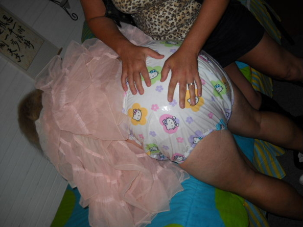 sissybaby pansy visit a Baby Sitter - while pansy's Master has out-patient foot surgery, babypansy is sent to a local Babysitter that deals with sissy girls like pansy, sissy,humiliation,adult baby,high chair,diapers, Adult Babies,Thumb Sucking,Dominating Mistress Or Master,Feminization