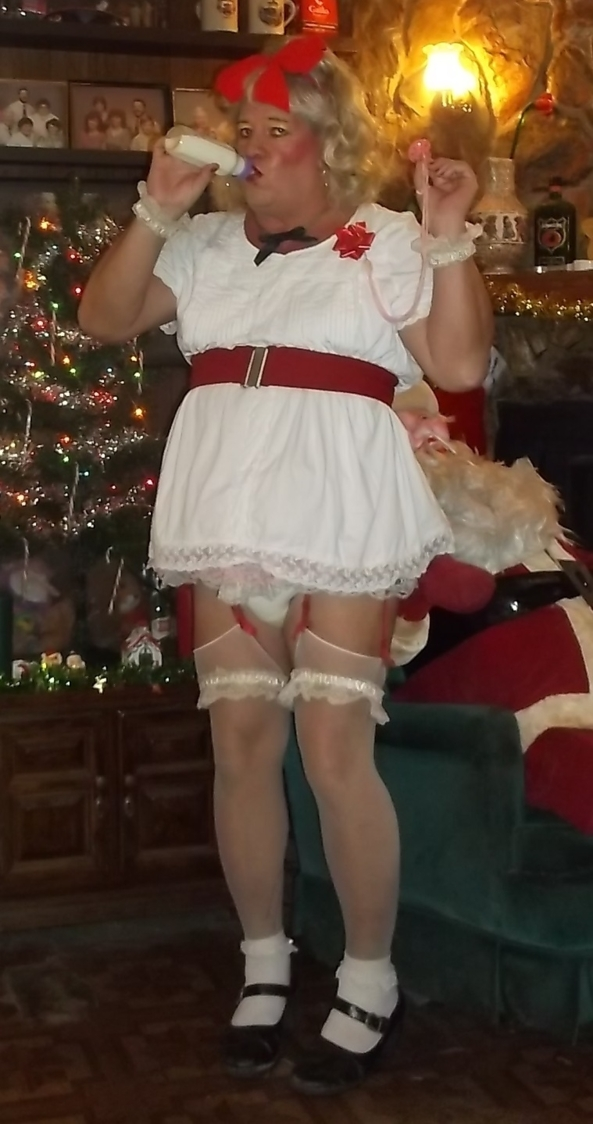 Xmas in July 2 - sissybaby pansy adds a few of its own Xmas pictures, humiliation,sissy,adult baby, Adult Babies