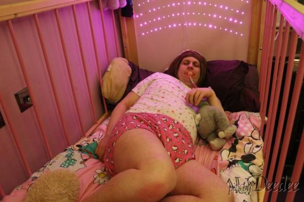 sissy baby in cot, sissy, Adult Babies,Diaper Lovers